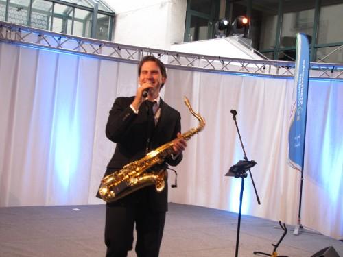 Andrew Carrington bringt Swing und Jazz - klassisch und elegant!
