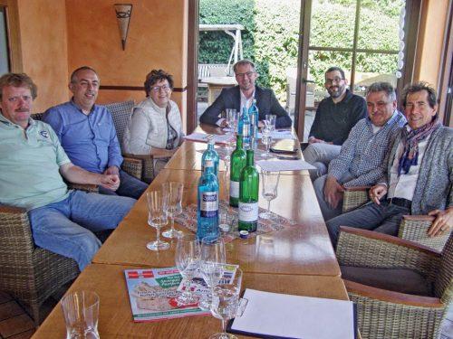 Bei der ersten Wirtesitzung zu Menden à la carte 2017 wurden neue Ideen besprochen.