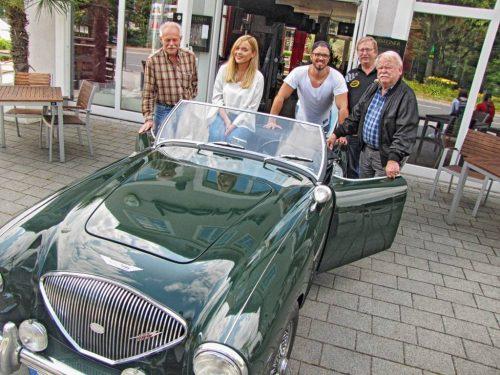 Die Monte Menden Classic besuchte schon einmal das Bonkers. (V.l.n.r.: Ekhard Briel, Laura Luletzko, David Poloczek, Karl-Bernd Runte, Dietmar Schliwinski)