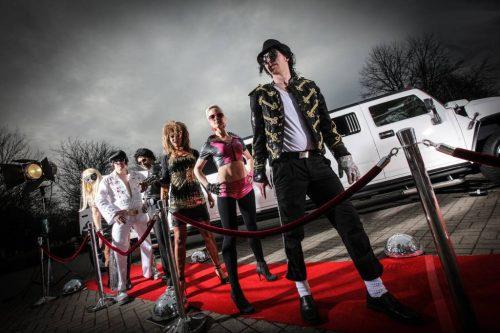 Mit tollen Kostümen und den Hits der großen Stars lässt die Fabulous Music Factory authentische Las-Vegas-Stimmung aufkommen.