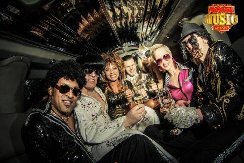 Die Fabulous Music Factory bringt dieses Jahr die große Las-Vegas-Jubiläumsshow auf die Bühne von Menden à la carte.
