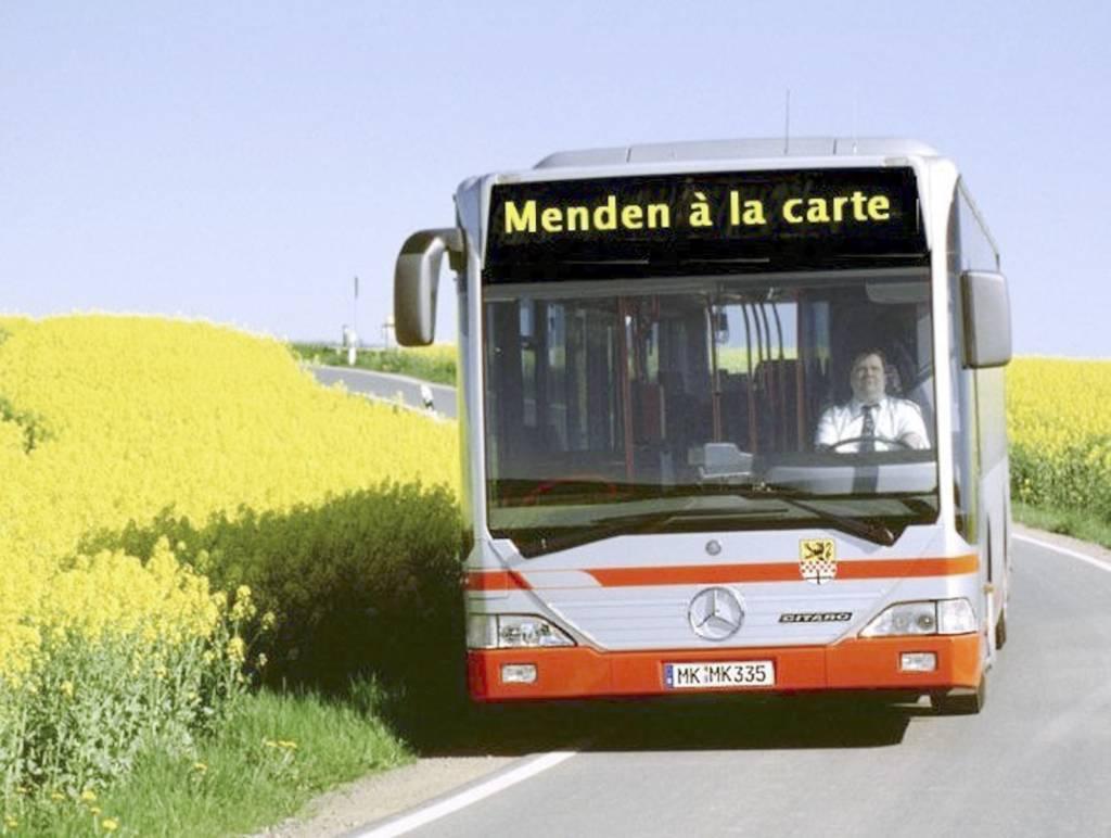 Mit Bus und Bahn kommen Sie sicher und bequem zum Fest der Sinne - und auch noch zu später Stunde wieder nach Hause.