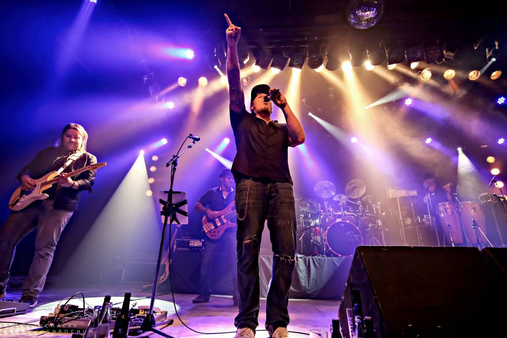 Die Classic Night Band bringt dieses Jahr zusammen mit den Bochumer Symphonikern Rock und Pop im klassischen Gewand auf die Bühne von Menden à la carte.