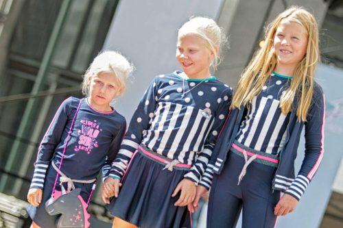Drei Engel präsentieren Mode auf der Kindermodenschau von Evi Kissing. Aber keine Sorge, tolle Klamotten für Rabauken gibt es natürlich auch wieder zu sehen!
