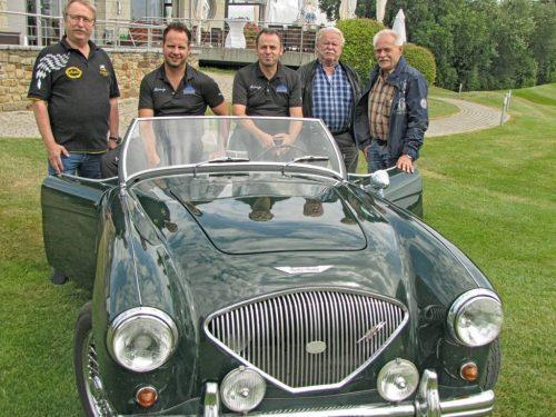 Die Monte Menden Classic besuchte das Restaurant Il Campo, das sich dieses Jahr zum ersten Mal bei Menden à la carte präsentiert. (V.l.n.r.: Karl-Bernd Runte, André Woerle, Atanaur Öztürk, Dietmar Schliwinski, Ekhard Briel)