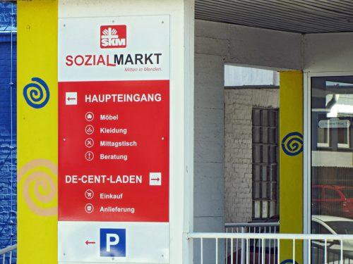 Der Eingang des Sozialmarktes des SKFM an der Fröndenberger Straße.