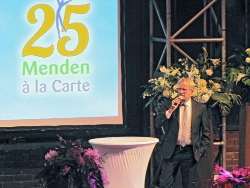 Hermann Niehaves eröffnet den Sponsorenabend 2019 mit seiner Rede.